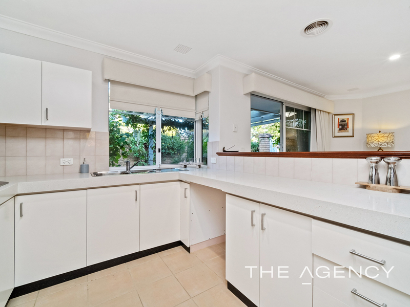 Photo - 1/11 Strickland Street, South Perth WA 6151  - Image 8