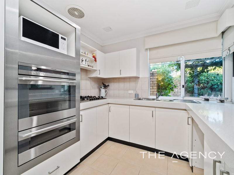 Photo - 1/11 Strickland Street, South Perth WA 6151  - Image 9