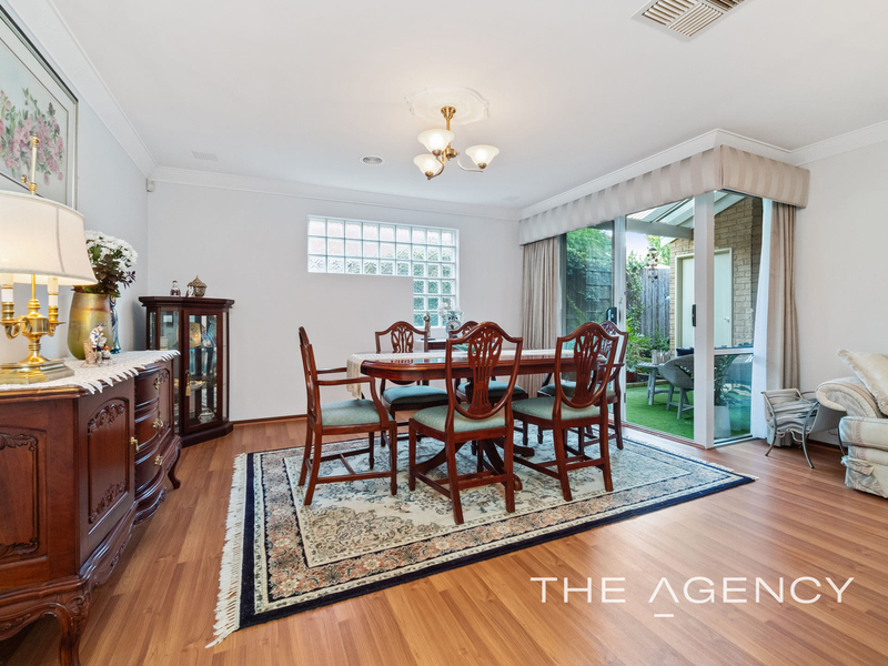 Photo - 1/11 Strickland Street, South Perth WA 6151  - Image 11