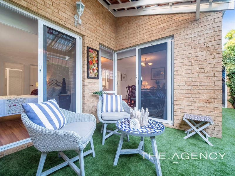 Photo - 1/11 Strickland Street, South Perth WA 6151  - Image 15