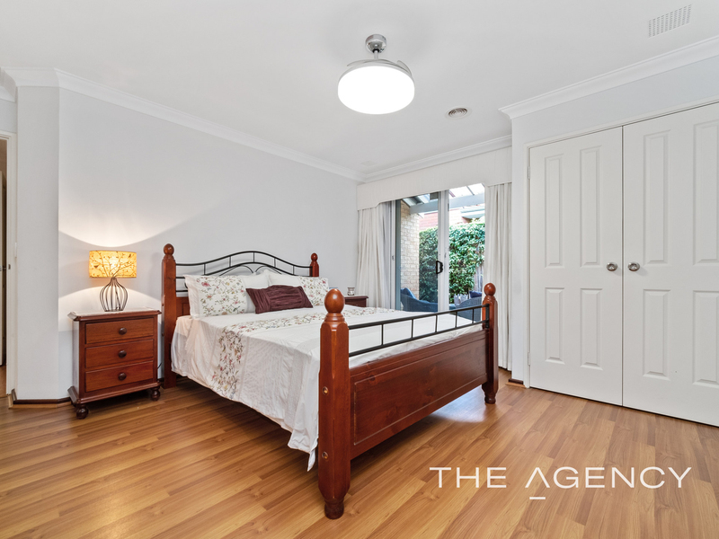 Photo - 1/11 Strickland Street, South Perth WA 6151  - Image 18
