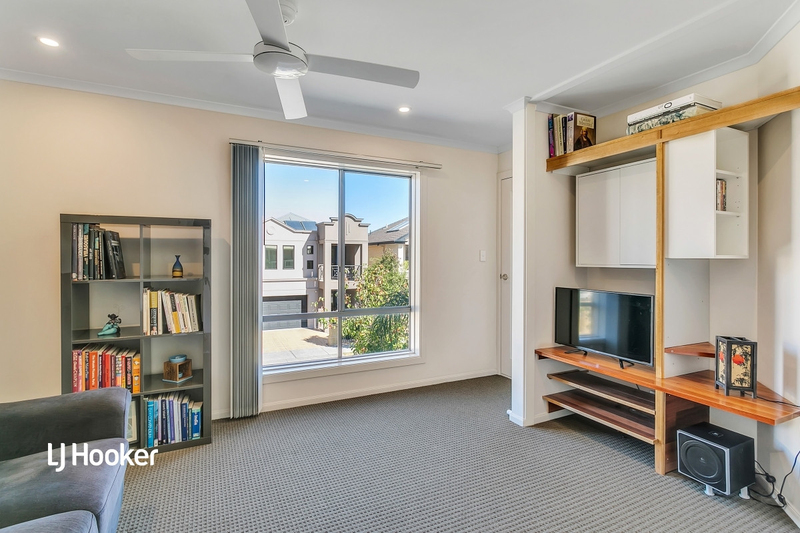 Photo - 112 Isla Circuit, Mawson Lakes SA 5095  - Image 6