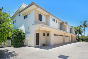 House Sized Townhouse Just Metres To The River  – Offers Over $499,000