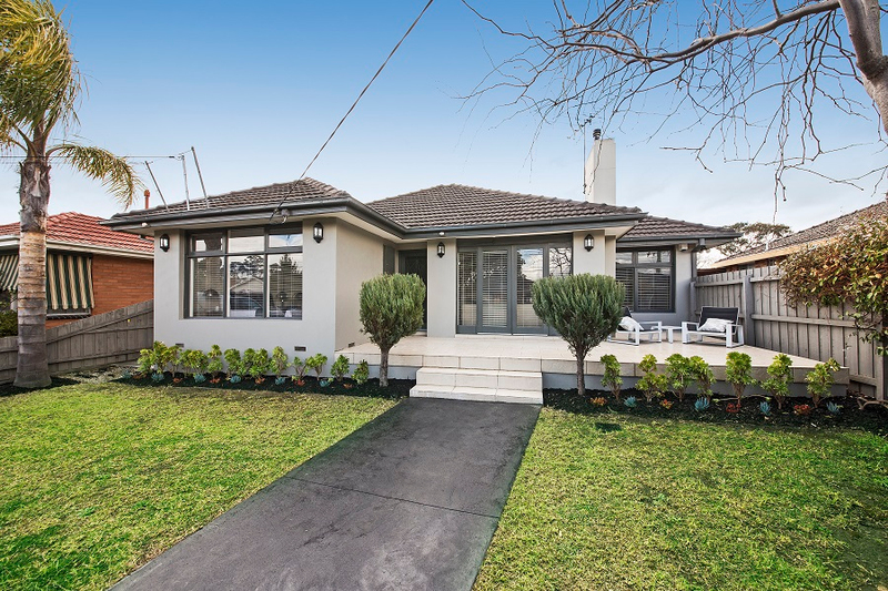 Photo - 1/139 Brady Road, Bentleigh East VIC 3165  - Image 1