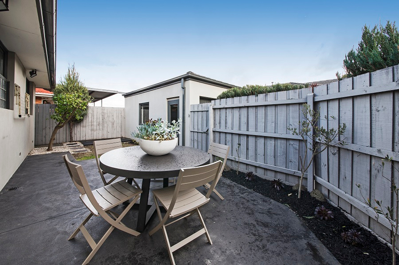 Photo - 1/139 Brady Road, Bentleigh East VIC 3165  - Image 9