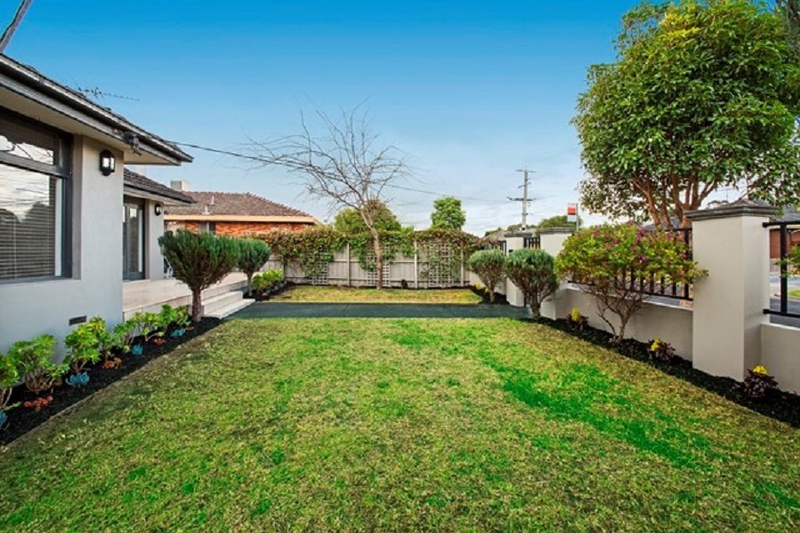 Photo - 1/139 Brady Road, Bentleigh East VIC 3165  - Image 11