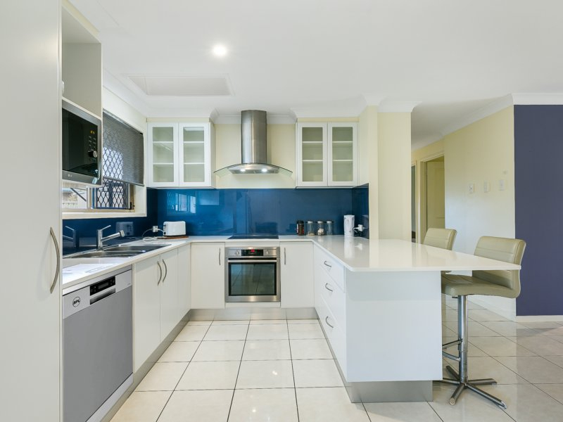 1/18 Peacock Place, Burleigh Waters QLD 4220