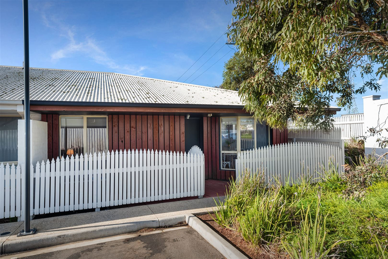 1/180 Cox Road, Lovely Banks VIC 3213