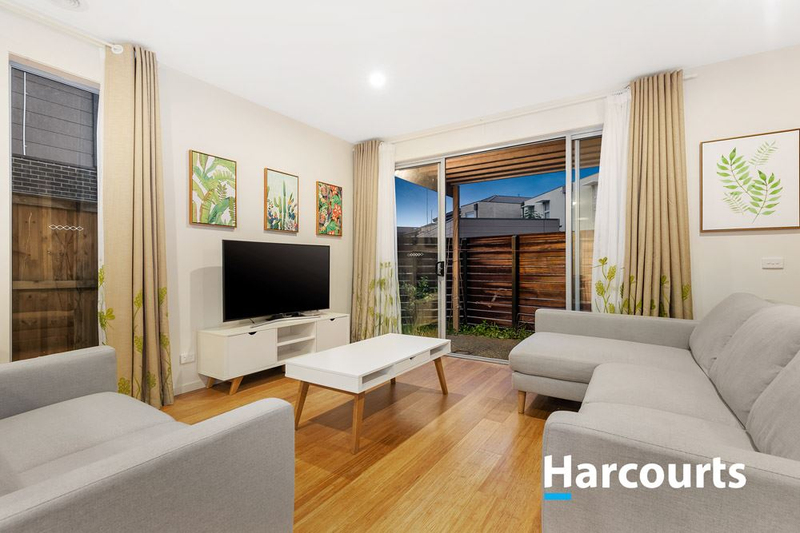 Photo - 12 Alandown Close, Knoxfield VIC 3180  - Image 2