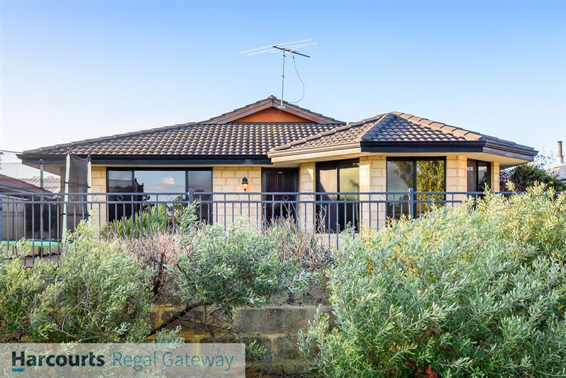 Photo - 12 Arno Lane, Success WA 6164  - Image 1