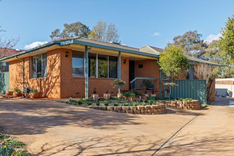 12 Baddeley Crescent, Spence ACT 2615