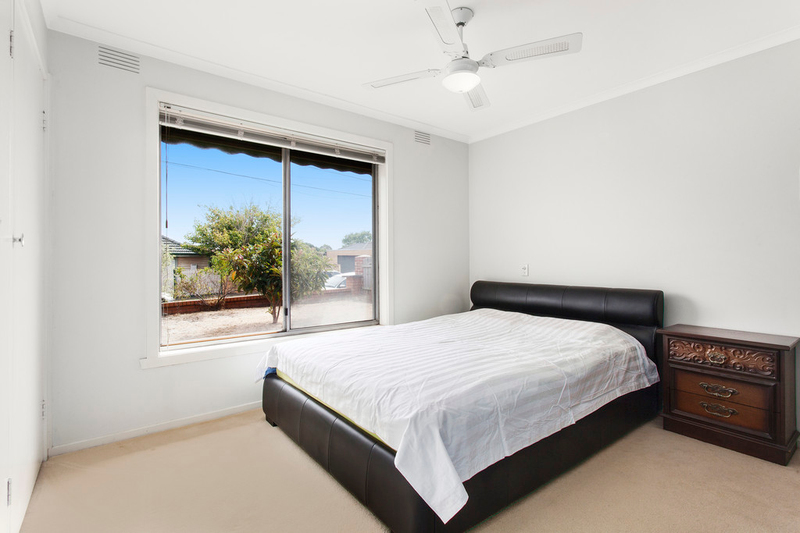 Photo - 1/2 Celia Street, Bentleigh East VIC 3165  - Image 3