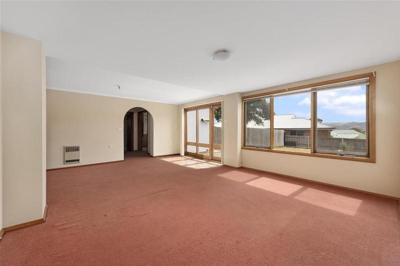 Photo - 12 Louise Road, Austins Ferry TAS 7011  - Image 7