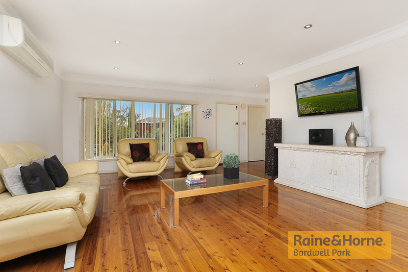 Photo - 12 Rhonda Avenue, Narwee NSW 2209  - Image 4