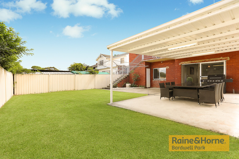Photo - 12 Rhonda Avenue, Narwee NSW 2209  - Image 7