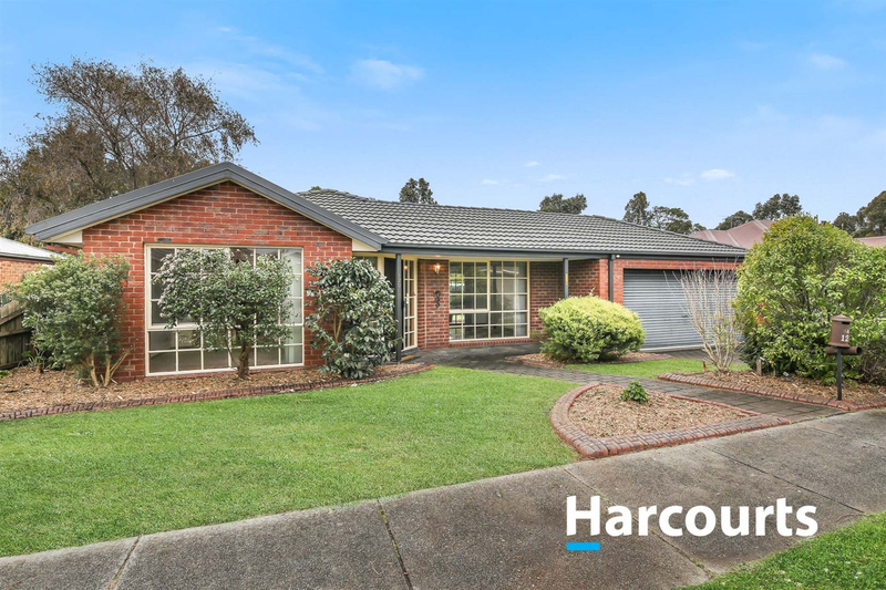 120 Lawless Drive, Cranbourne North VIC 3977