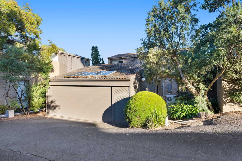 12/18 Peter Street, Doncaster East VIC 3109