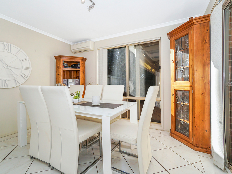 Photo - 12/19 Owen Jones Row, Menai NSW 2234  - Image 3