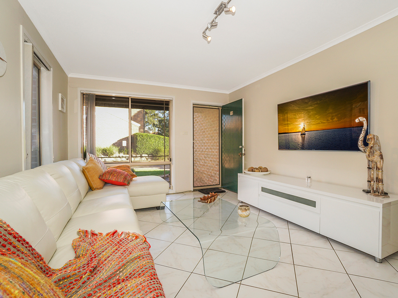 Photo - 12/19 Owen Jones Row, Menai NSW 2234  - Image 5