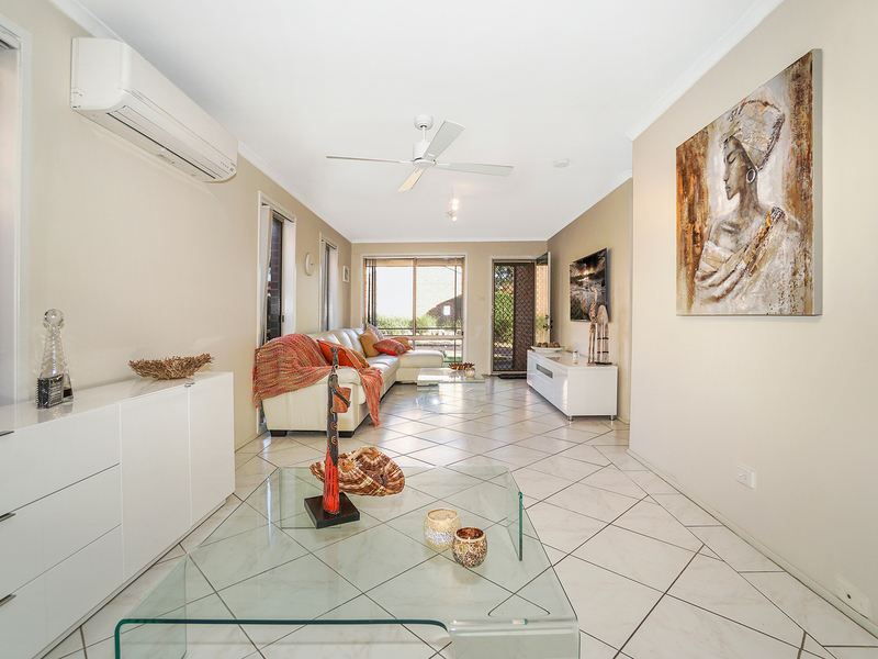 Photo - 12/19 Owen Jones Row, Menai NSW 2234  - Image 6