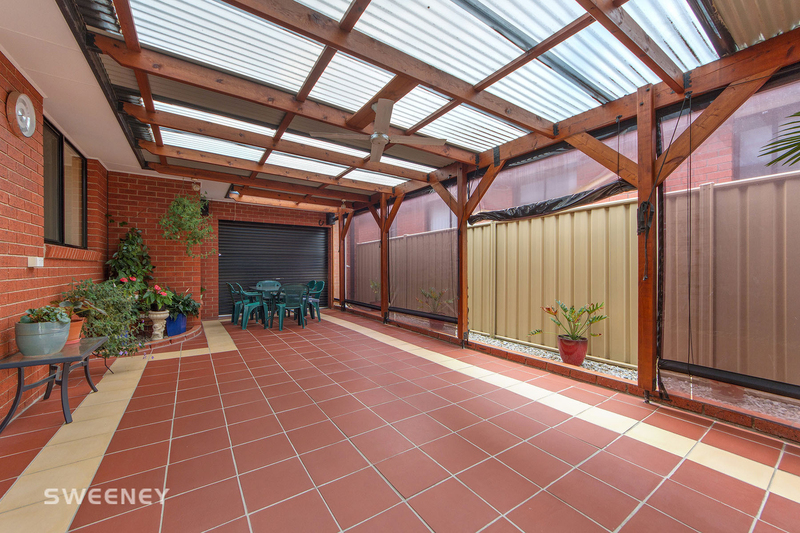Photo - 123 Moonstone Circuit, St Albans VIC 3021  - Image 9