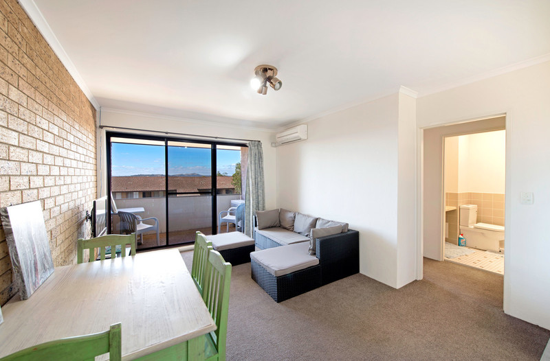 12/30 Springvale Drive, Hawker ACT 2614