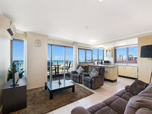 Beach Front with Panoramic Views!