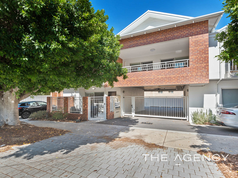 Photo - 1/2A Clydesdale Street, Burswood WA 6100  - Image 1
