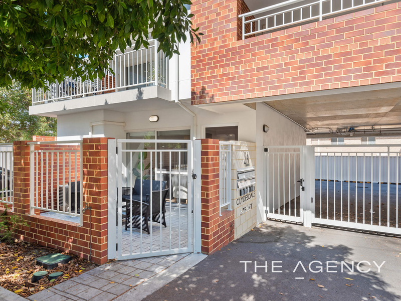 Photo - 1/2A Clydesdale Street, Burswood WA 6100  - Image 2