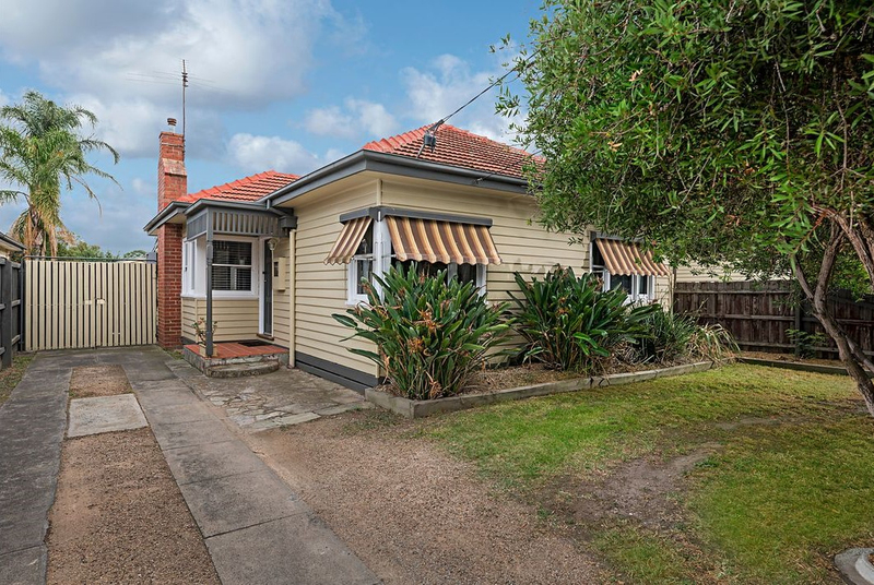 13 Banbury Road, Reservoir VIC 3073