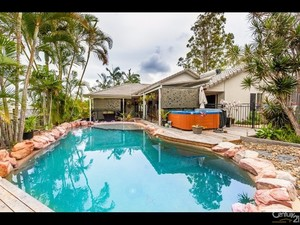 Superbly Finished Maroochydore Home With 2nd Dwelling On 1140m2
