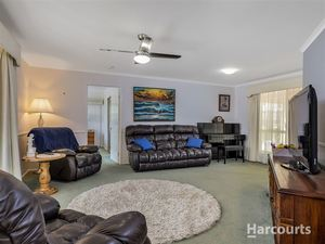 Private Large Family Home in Top Spot