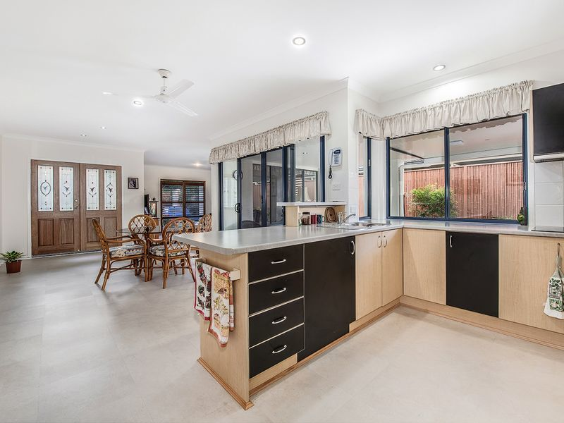 Photo - 13 Fantail Place, Twin Waters QLD 4564  - Image 9