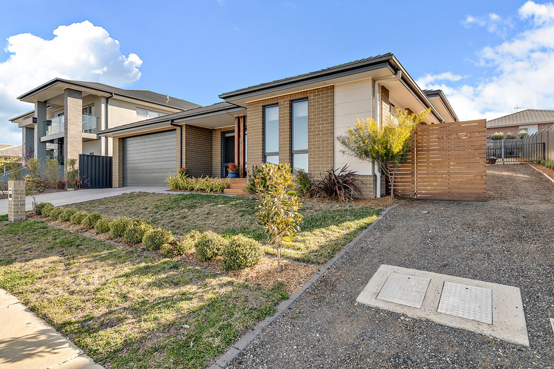 Photo - 13 Maxwell Street, Googong NSW 2620  - Image 1