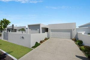 Contemporary Home - Great Features - Idyllic Location