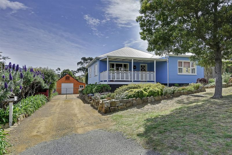 13 Torrens Street, Richmond TAS 7025