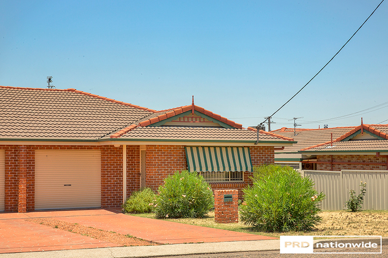 1/3 Wattle Street, Kootingal NSW 2352