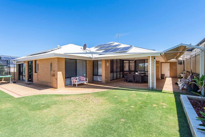 Photo - 13 Woolger Ramble Baldivis WA 6171  - Image 23