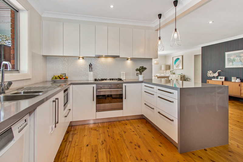 Photo - 1/32 Oxford Falls Road, Beacon Hill NSW 2100  - Image 2