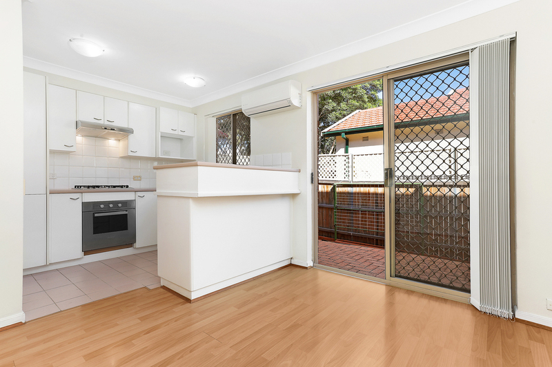 Photo - 1/37 Oak Street, Ashfield NSW 2131  - Image 3