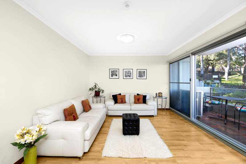 Photo - 13/90 Blues Point Road, Mcmahons Point NSW 2060  - Image 2
