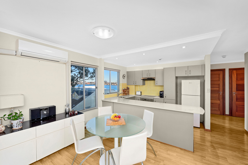 Photo - 13/90 Blues Point Road, Mcmahons Point NSW 2060  - Image 3
