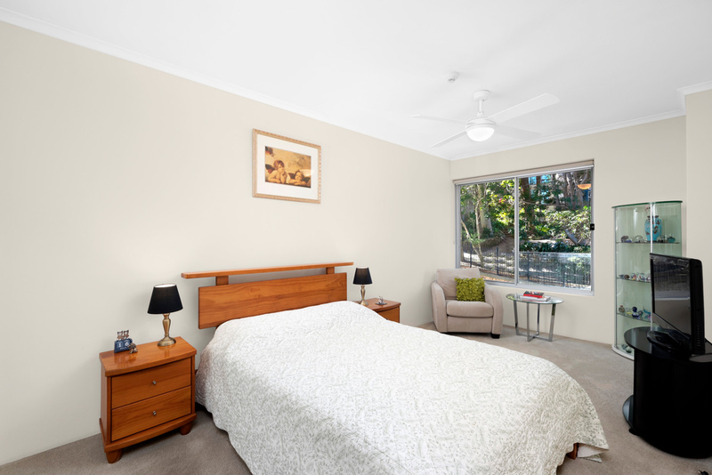 Photo - 13/90 Blues Point Road, Mcmahons Point NSW 2060  - Image 4