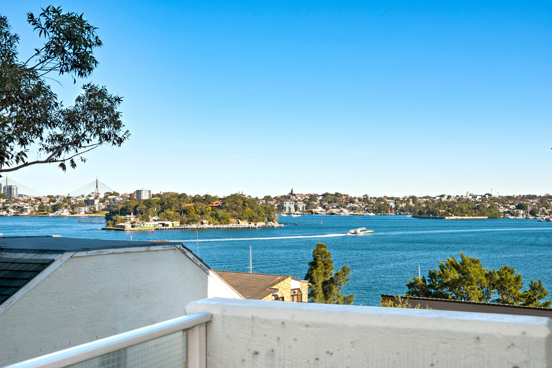 Photo - 13/90 Blues Point Road, Mcmahons Point NSW 2060  - Image 5