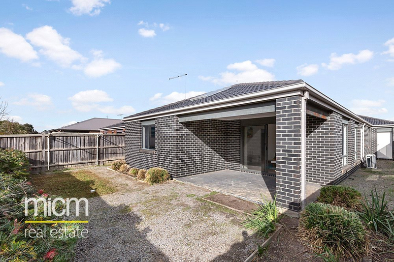 Photo - 14 Adriatic Way, Point Cook VIC 3030  - Image 6
