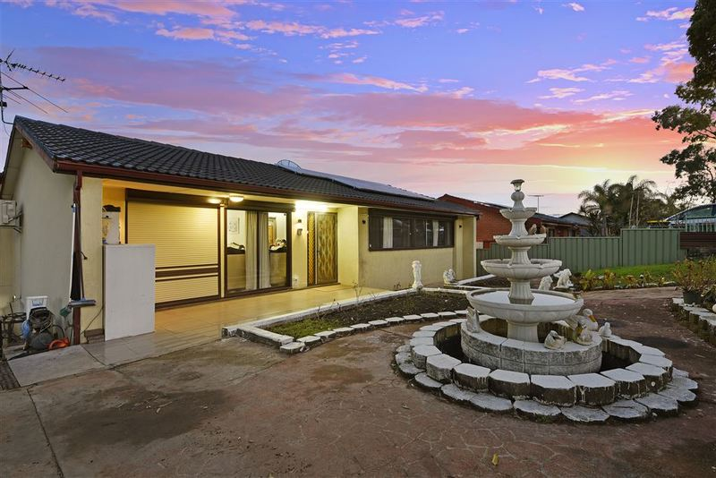 14 birkdale crescent liverpool nsw 2170 for Kitchens liverpool nsw