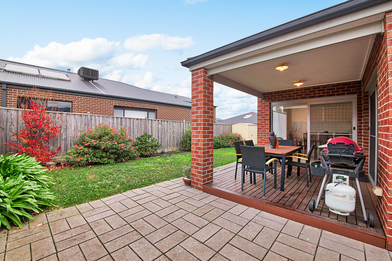 Photo - 14 Hill Farm Drive, Clyde VIC 3978  - Image 10