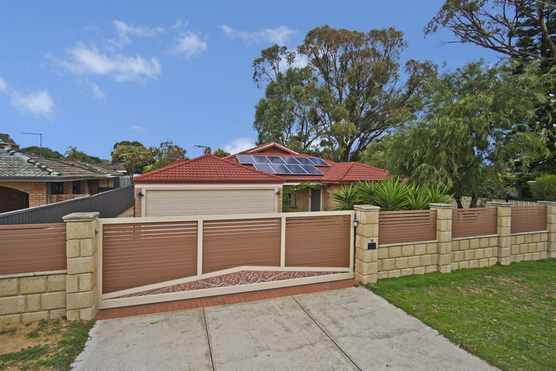 14 Salcombe Way, Warnbro WA 6169
