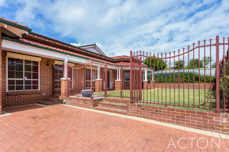 14 Sunset Court, Spearwood WA 6163