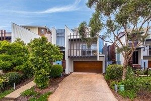 Beachside Beauty - Live or Invest!